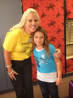 Image: Mrs. Hellner (4th grade teacher) and Evie Hernandez.