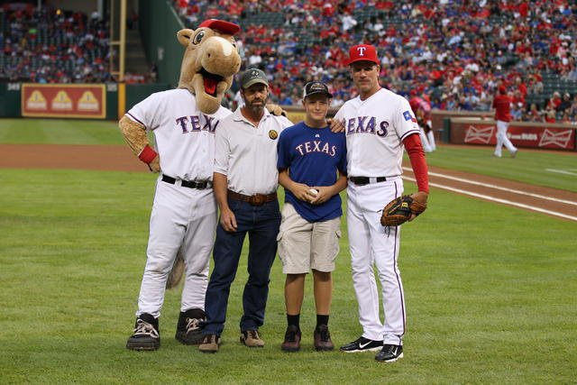Image: Italy's Sam Nance and Clay Riddle at recent Texas Rangers game