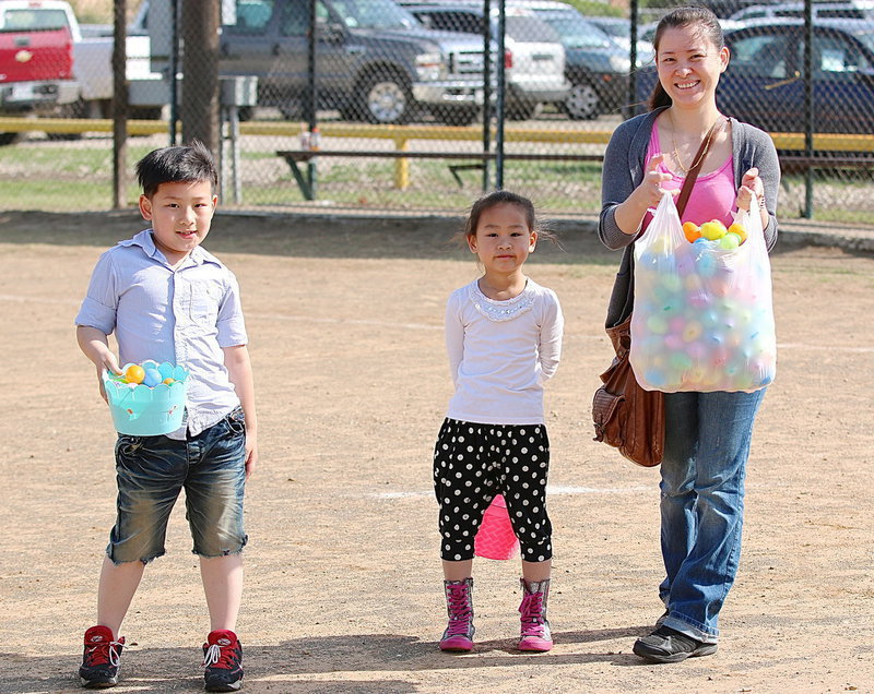 Image: Mei Lin Chen with her children Evan Chen and Annie Chen after the hunt.