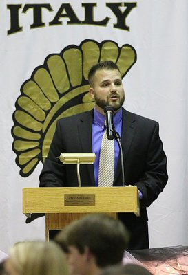 Image: Italy Gladiator Football's Offensive Coordinator Coach Daniel Weaver introduces the Gladiator football players.