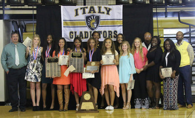 Image: The entire Italy Lady Gladiator 2016 Track and Field Team. (L-R) Coach Sean Connor, Halee Turner, Janae Robertson, April Lusk, Chardonae Talton, T'Keyah Pace, Coach Laquita Walker, Vanessa Cantu, Emmy Cunningham, Karson Holley, Brycelen Richards, Coach Bobby Campbell, Taleyia Wilson, Manager Brenya Williams and Coach David Ervin.