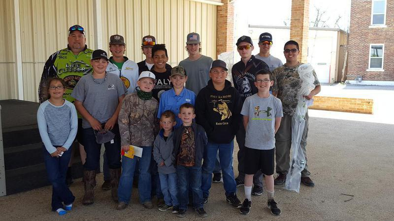 Image: Participants in the 1st Annual Gladiator Bass Club Land Tournament